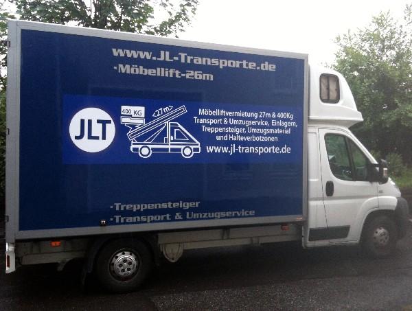Transporter_mit_werbung_2011