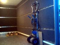 Möbelkoffer mit Filzwänden und 4 X Zurrleisten + Treppensteiger